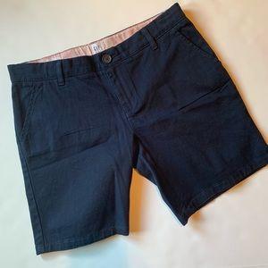 NWOT Gap uniform shorts sz 14